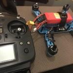ドローンレース機とプロポの設定の画像