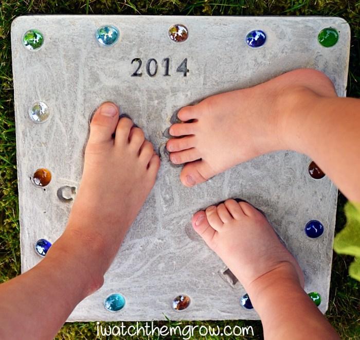 Footprint Stepping Stone Keepsake Project from I Watch Them Grow