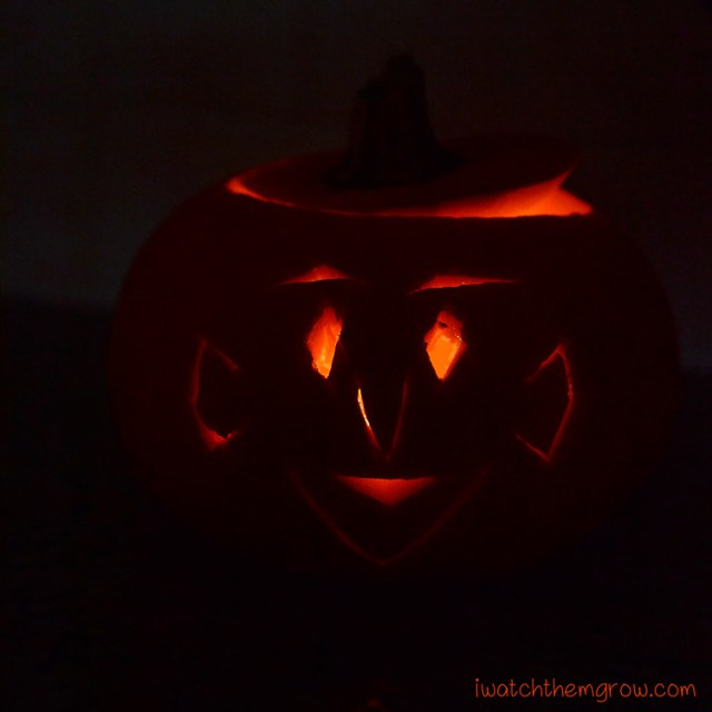Halloween photo ideas - Lit Jack-o-lantern