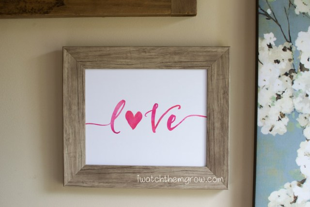 Put a little love and romance on your wall with this free printable watercolor Valentine's art!