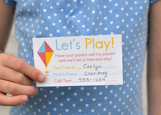 Ok where have these been all my life?! This is going to make it easier to set up play dates when school starts! {Play Date Invitation Cards by I Watch Them Grow}