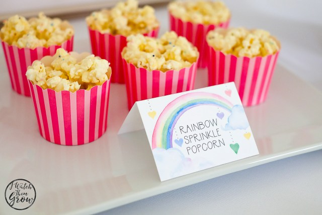 This rainbow sprinkle birthday popcorn is so easy to make and so yummy! It's a great rainbow party treat!