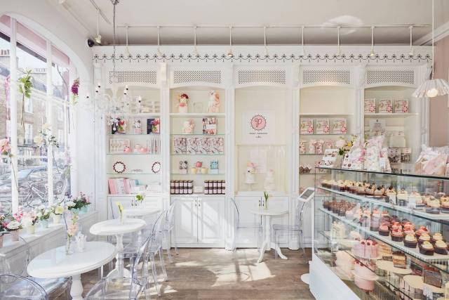 Exciting Girl Party Themes: Cupcake Cafe Party