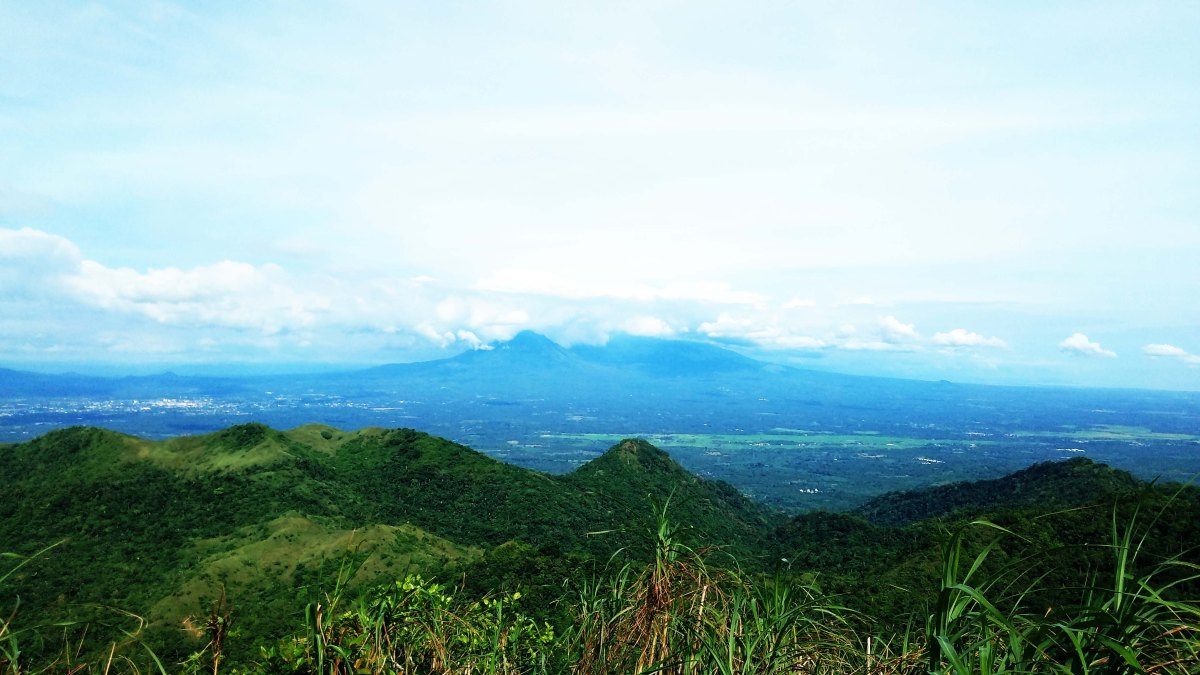 Tita Hike Series Episode 1: Why Mt. Manabu is the Perfect Mountain for Late Risers, Solo Hikers and Beginners
