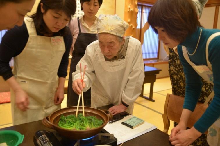 58 large - 2016年4月25日、佐藤初女先生を偲ぶ会開催しました。
