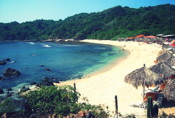 isla-ixtapa-playa-coral