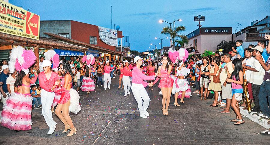 carnaval-zihuatanejo