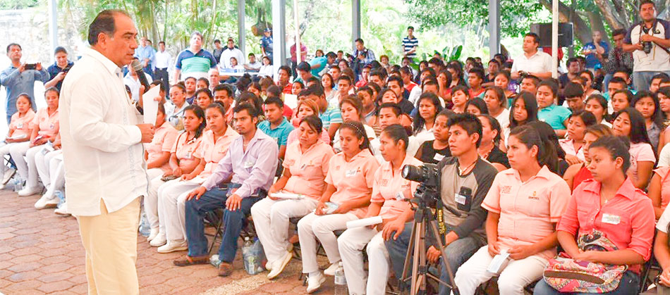 becas-estudiantes-indigenas-chilpancingo