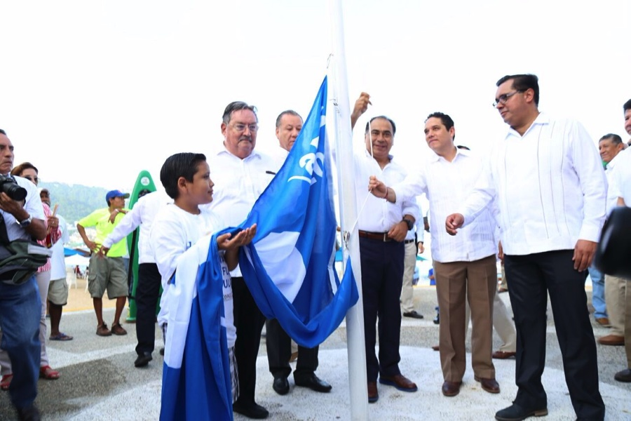 blue-flag-playa-icacos