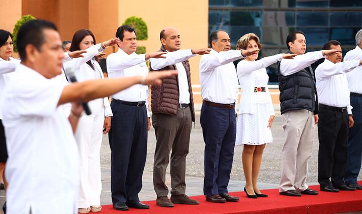 honores-bandera-explanada-palacio-chilpancingo-2