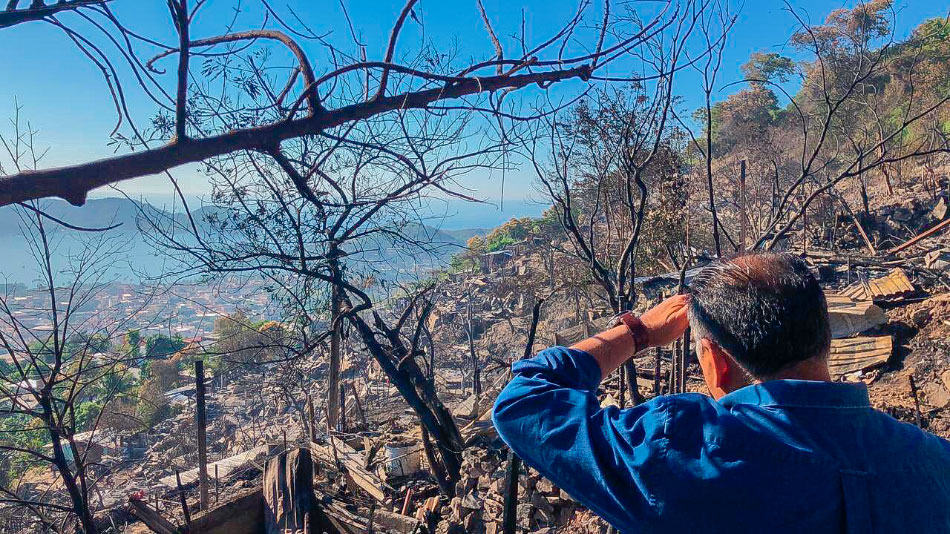 astudillo-incendio-zihuatanejo.jpg