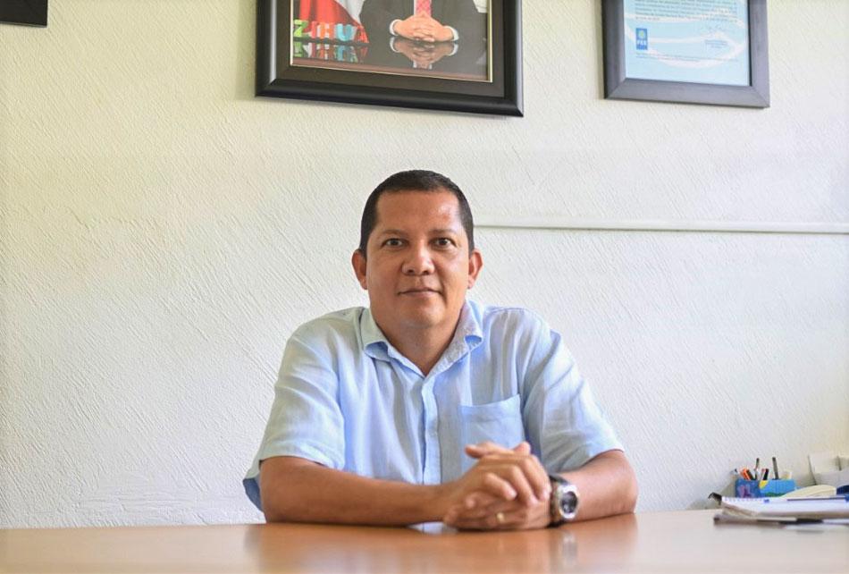 director-medio-ambiente-zihuatanejo-israel.jpg