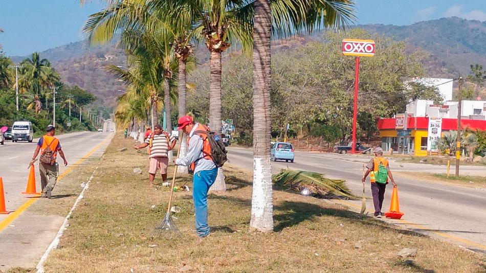 mantenimiento-bulevar-aeropuerto-zihuatanejo.jpg