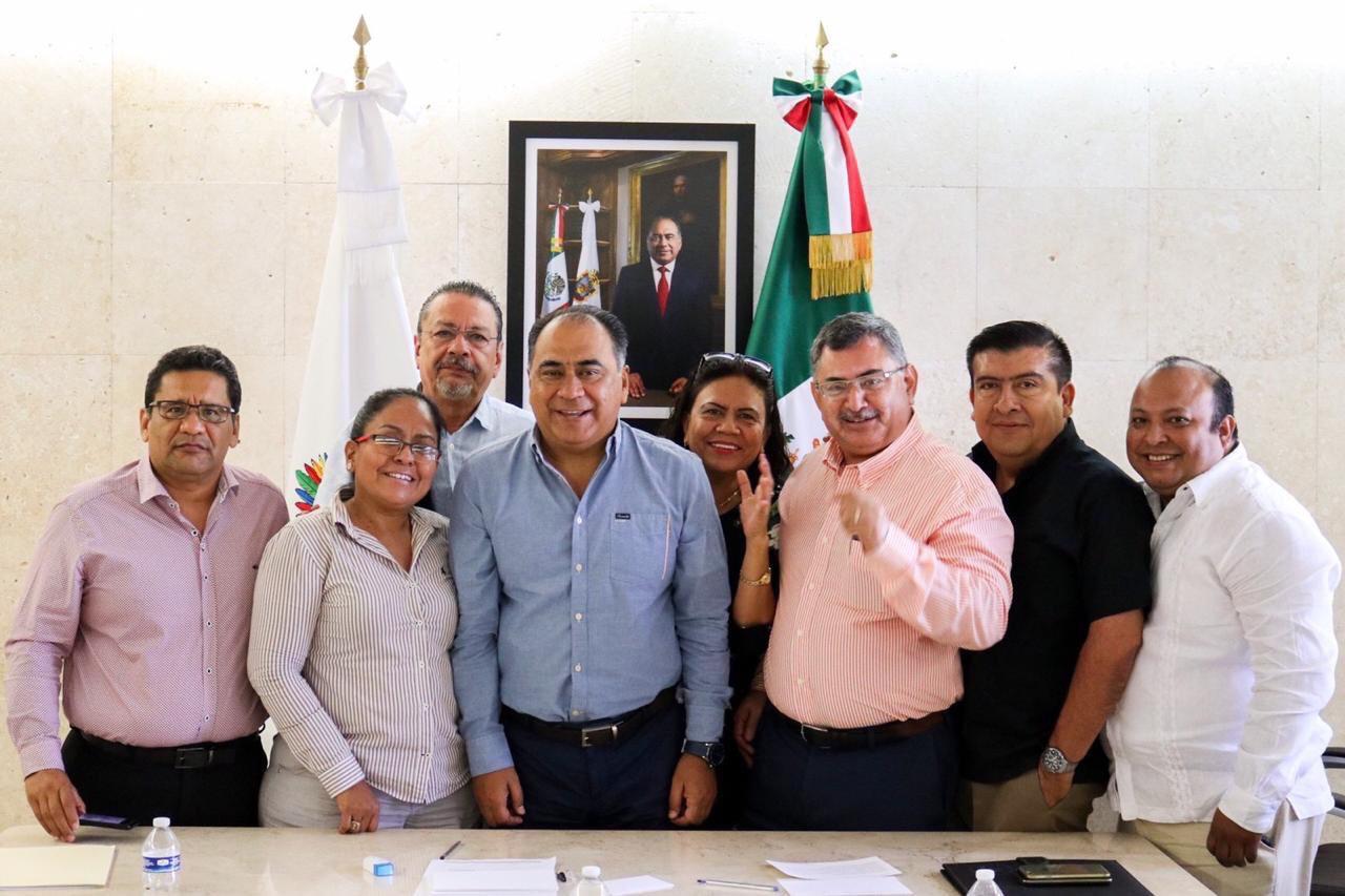 mesa-directiva-colegio-abogafos-acapulco.jpg