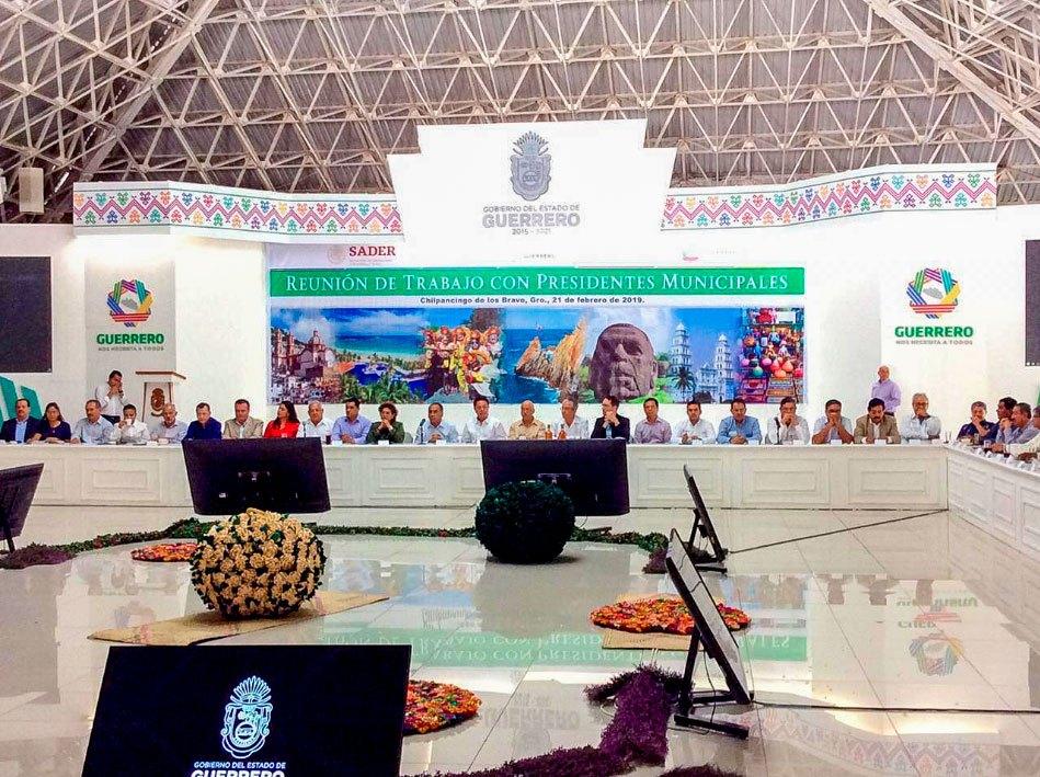 reunion-presidentes-municipales-guerrero-jorge-sanchez-zihuatanejo.jpg