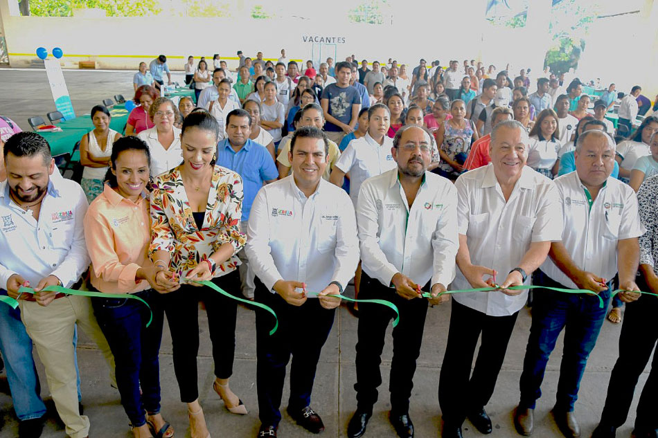 feria-empleo-2019-zihuatanejo_.jpg