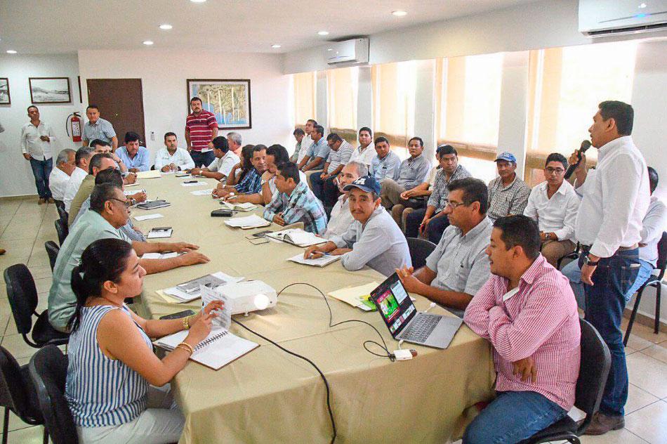reunion-fertilizante-guerrero-zihuatanejo-presidentes-municipales.jpg