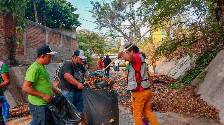 trabajos-limpieza-desazolve-pluvial-zihuatanejo-.jpg