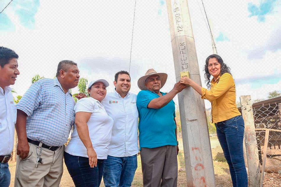 electrificacion-colonias-zihuatanejo_.jpg