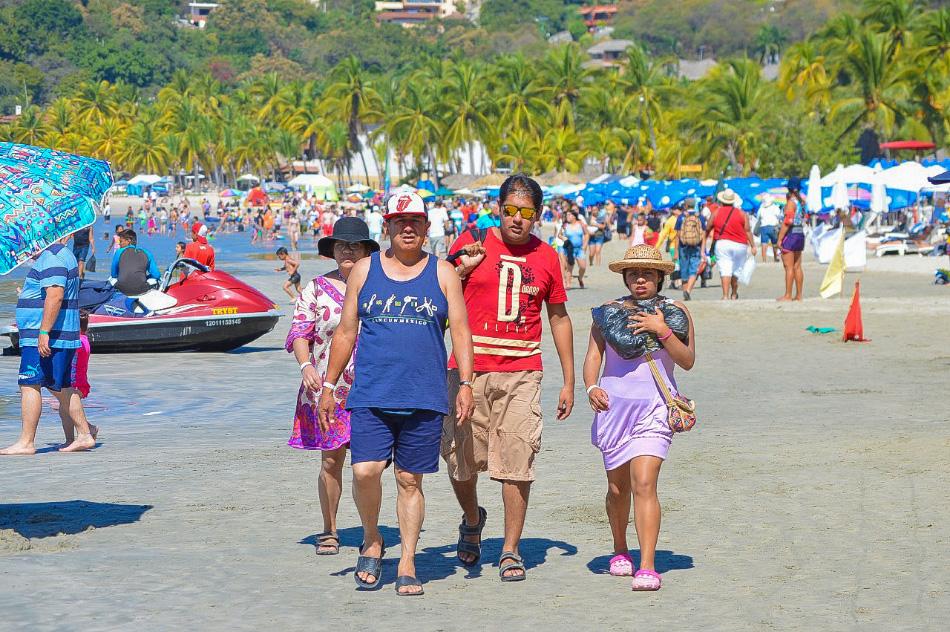 turismo-social-verano-ixtapa-zihuatanejo_.jpg