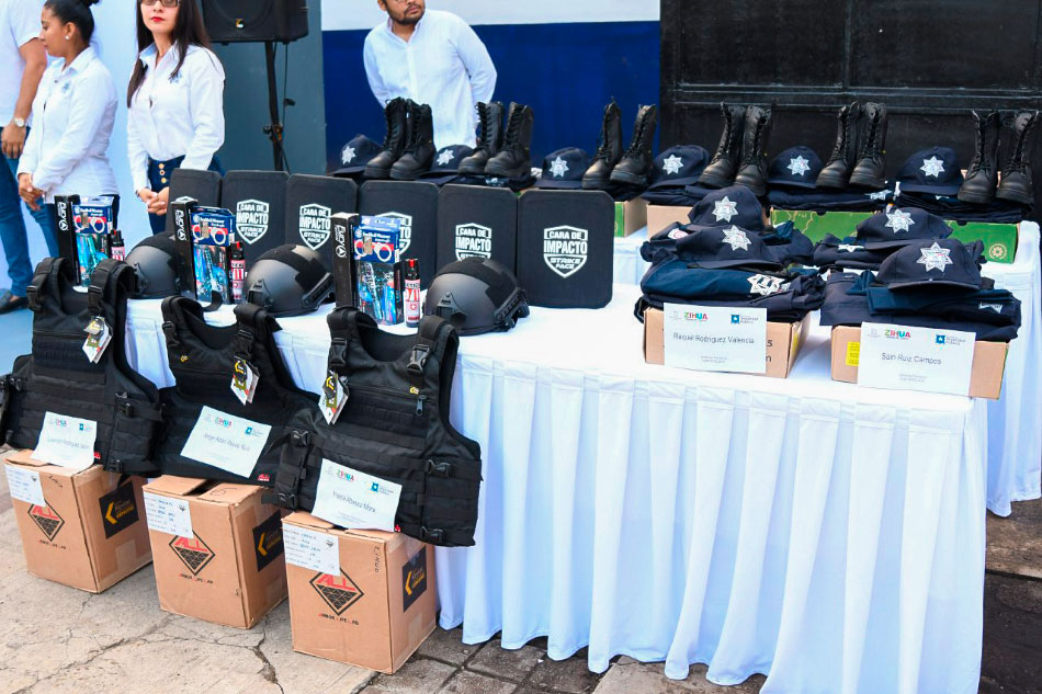 apoyos-a-policias-zihuatanejo-gro_.jpg