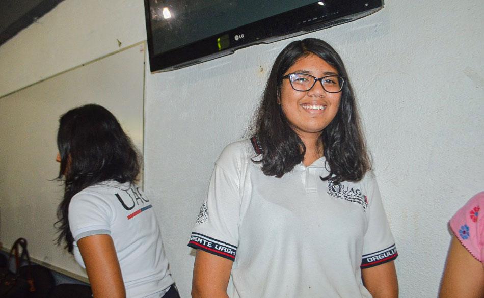 estudiante-ximena-zihuatanejo-olimpiada-quimica_