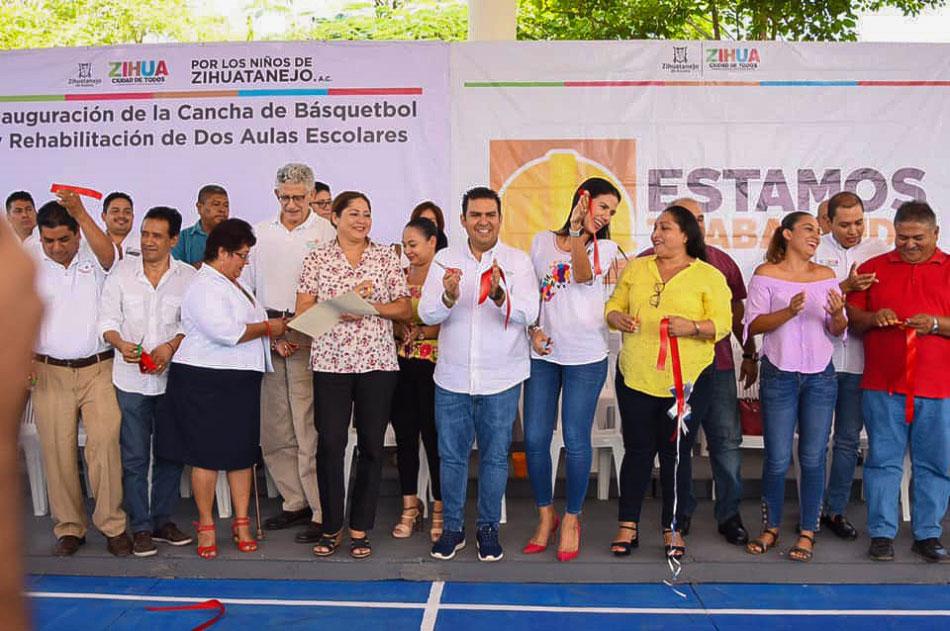 inauguracion-cancha-aulas-sec-coacoyul-espania.jpg
