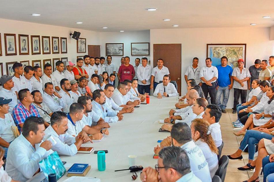 colaboraderes-cruceros_zihuatanejo-reconocimiento_.jpg