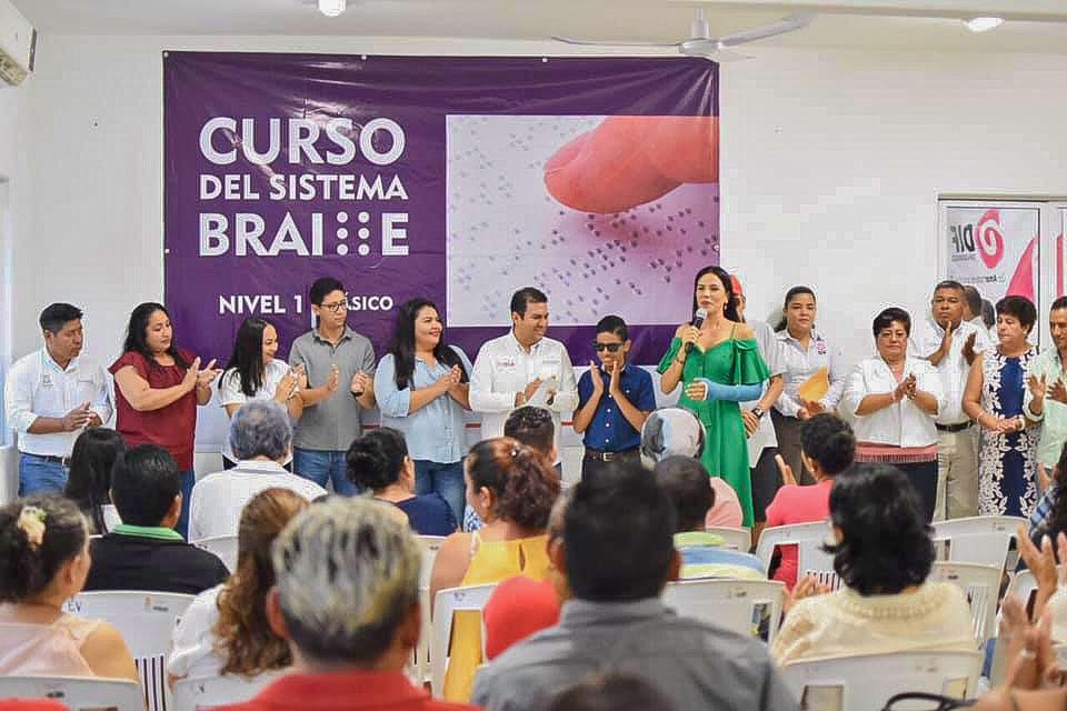 curso-dif_braile_zihuatanejo.jpg