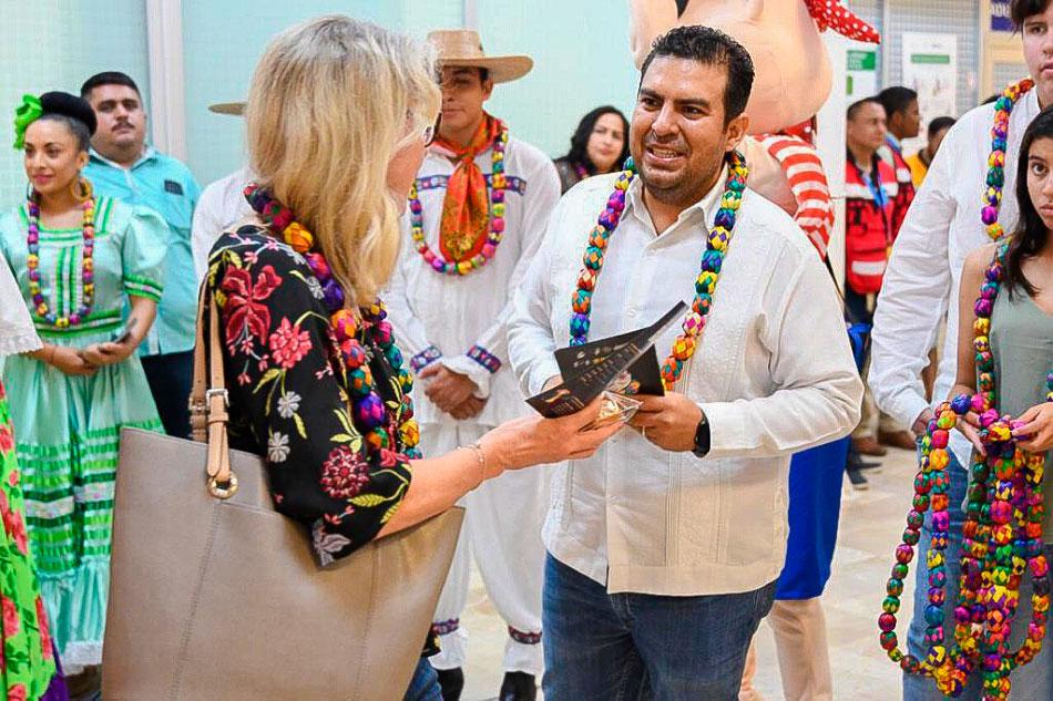 bienvenida_vuelo_Canada_ixtapa_zihuatanejo_2019.jpg