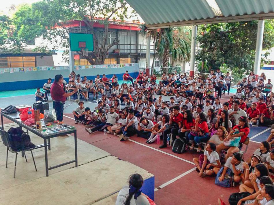 EDUCACION_SIDA_ZIHUATANEJO_PREPA.jpg