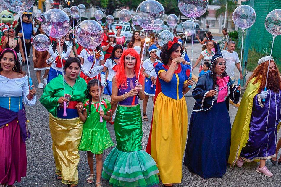 desfile-navidenio-zihuatanejo-2019-.jpg