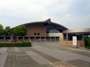 博物館の外観:新潟県立歴史博物館で『日本海の至宝』展を観る