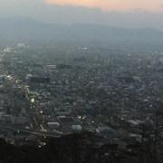 2017年正月の山形市、千歳山と富神山