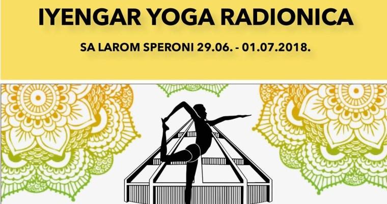 Twisting poses and preparatory practice towards Padmasana with Lara Speroni