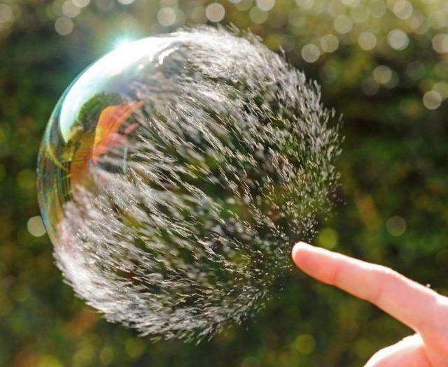 [Image 'https://i2.wp.com/izismile.com/img/img2/20090630/bubble_05.jpg' cannot be displayed]