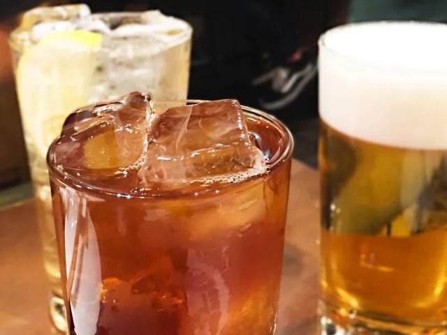 喉に悪い飲み物 : 炭酸・アルコール
