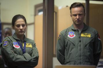 Eye in the Sky - Aaron Paul, Phoebe Fox