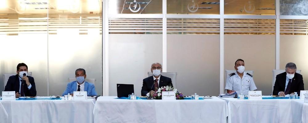 Vali Köşger, beş ilçenin pandemi verileri bilgisini aldı