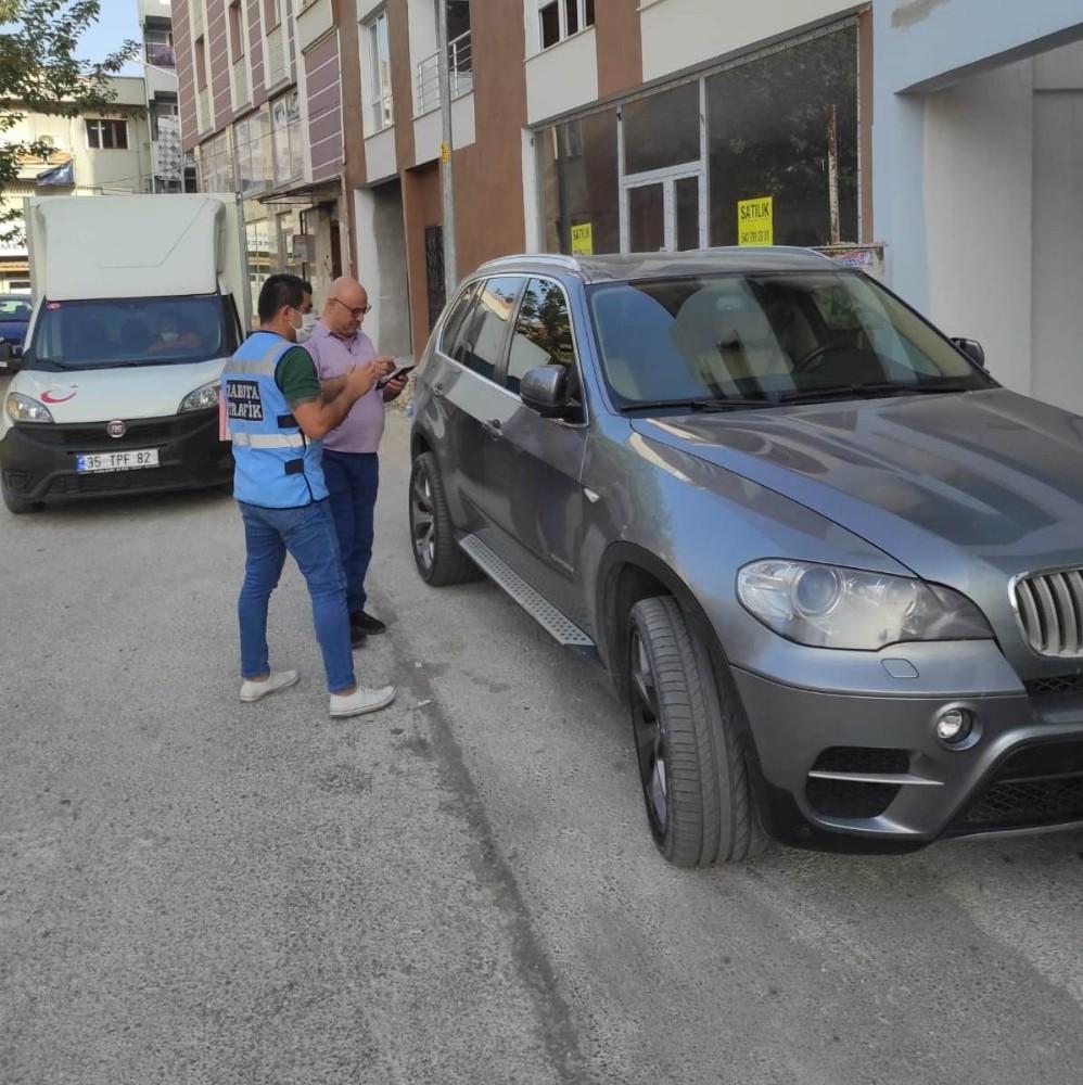 Kordon'da bisiklet yoluna giren jip sürücüsüne cezai işlem