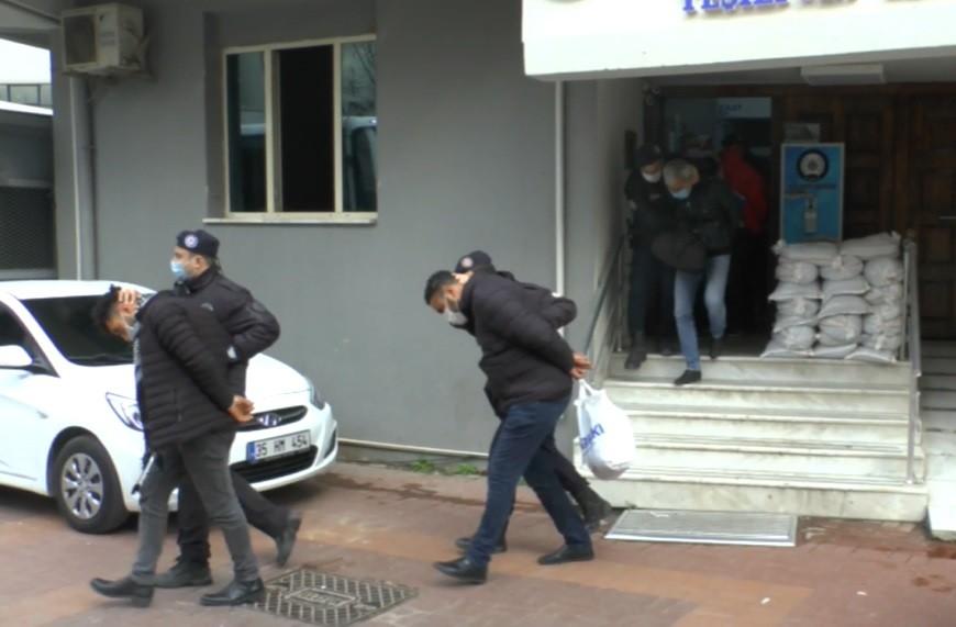 İzmir merkezli silah kaçakçılığı yapan suç örgütüne operasyon: 9 kişi tutuklandı