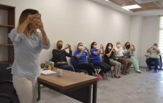 Aliağa Belediyesi işaret dili kursları başladı