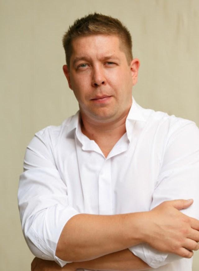"""Как сложилась жизнь Кузьмы из сериала """"Солдаты"""": Как выглядит семья Ивана Моховикова"""