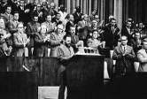 fidel-en-el-primer-congreso-del-pcc-1975-foto-granma