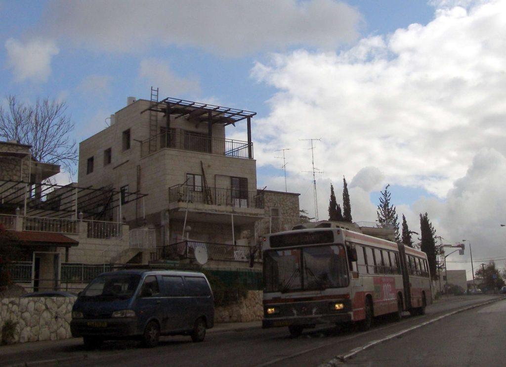 Modern épület kiegészítések az ötvenes években épült házakon, 2009 - fotó: Ranbar / Wikipedia