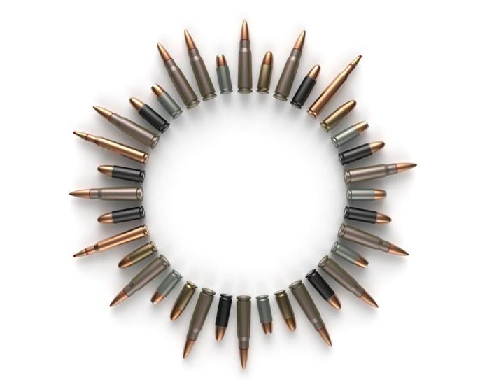 eroszak kor golyok puska pisztoly fegyverek
