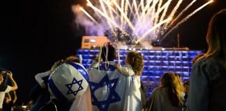tuzijatek izraeli zaszlo leggomb emberek