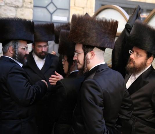 zsidó vallásos férfiak