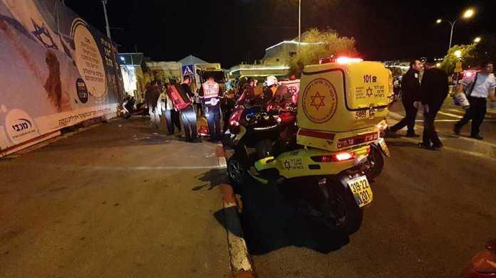 merénylet Jeruzsálemben mentők