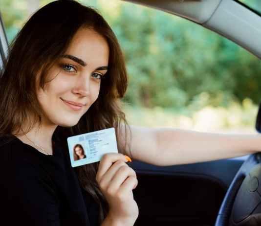 nő jogosítvány